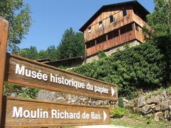 Die Papiermühle Richard de Bas